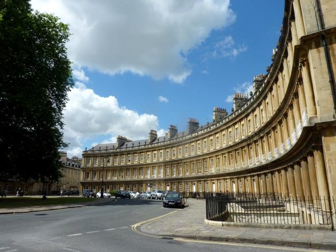 Bath's Circus- www.afriendafar.com #bath #england #circus