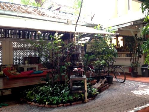 Bangkok Boutique Hotel www.afriendafar.com #bangkok #thailand #phranakorn-nornlen