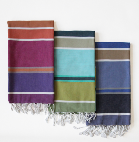 Travel Gift Guide: Hammam Towels Best Gifts for Travelers - www.AFriendAfar.com